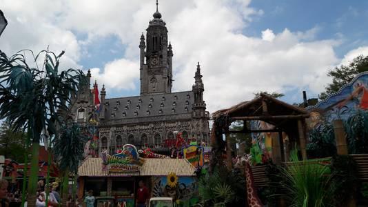Kermis in het centrum van Middelburg.