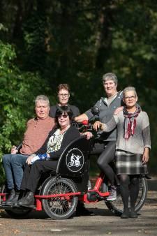 Elektrische riksja in Knegsel: 'Als je als gehandicapte thuiszit, wordt je wereld steeds kleiner'