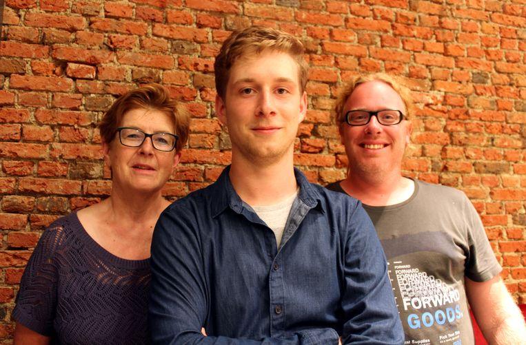 De 23-jarige Niels Blomme vormt samen met Lilian Verbeke en Tim De Roeck het lokale partijbestuur van Groen.