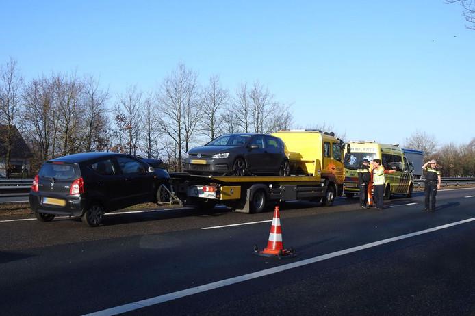 Twee gewonden na aanrijding op de A2 bij Leende.