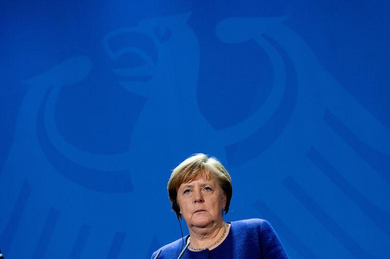 Merkel krijgt het druk dit weekend. Ze zal niet alleen vooruitgang moeten boeken bij het oplossen van het Libische conflict maar ook de Europese landen op een lijn moeten zien te krijgen. Alleen dan kan Europa zich in Libië geloofwaardig op de kaart zetten. Beeld EPA/Filip Singer