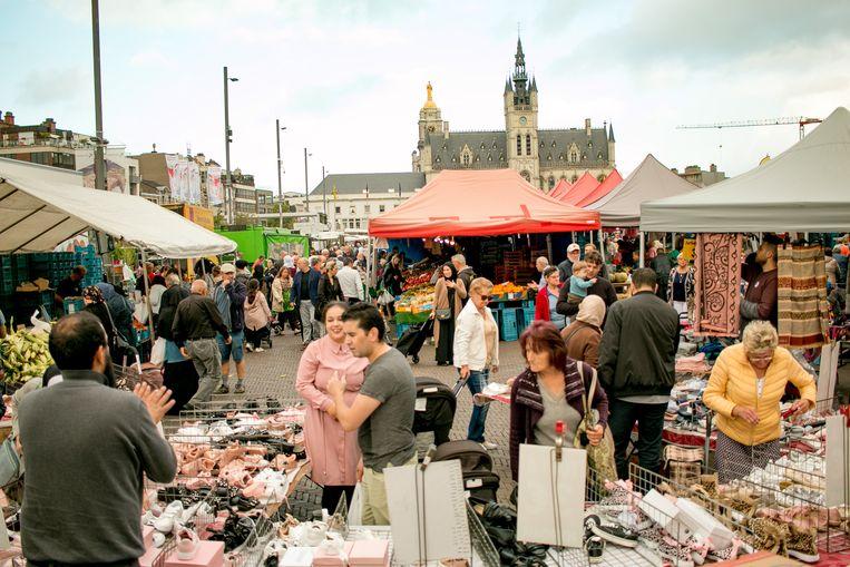 Vanaf deze week is er zowel op donderdag als op zondag een markt in  Sint-Niklaas.