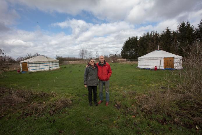 Wim en Marielle van den Assum in Hooge Mierde op hun stralingsvrije camping.