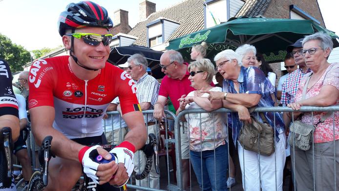 Moreno Hofland uit Roosendaal is op de fiets naar de NK-start in 2018 in Nispen gekomen Archieffoto Peter de brie
