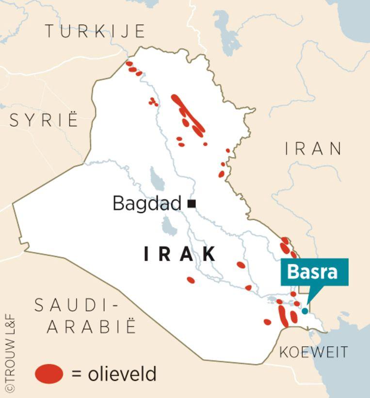 De olievelden bij Basra. Beeld Louman & Friso