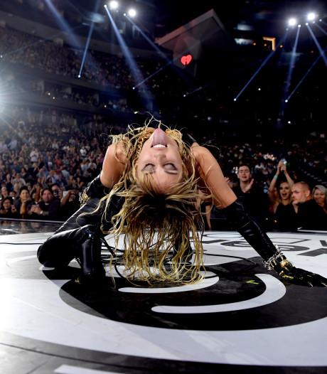 Miley Cyrus verbaast wereld met Pink Floyd-cover in leren outfit: 'Zij heeft mijn depressie genezen'