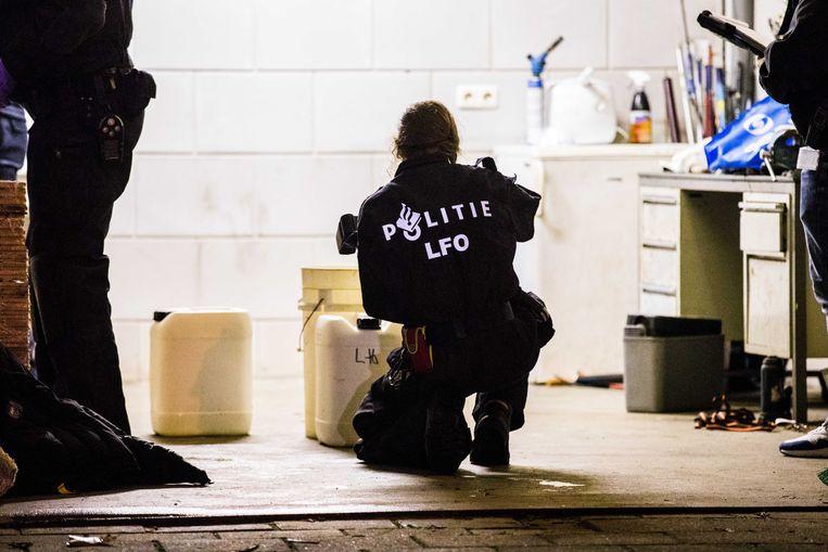 De politie ontmantelt een xtc-lab in het Nederlandse Kaatsheuvel (Noord-Brabant). Foto uit november 2017.