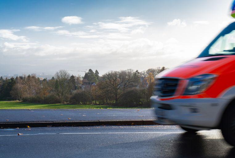 Patiënt (83) overlijdt na botsing ziekenwagen in Duitsland.