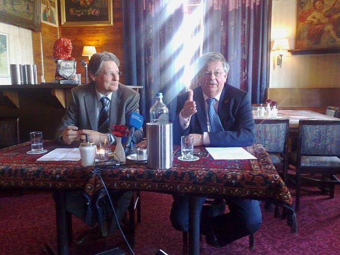 De burgemeesters Alberse (links) en Kaiser van Oude IJsselstreek en Doetinchem. foto Gerco Mons/De Gelderlander