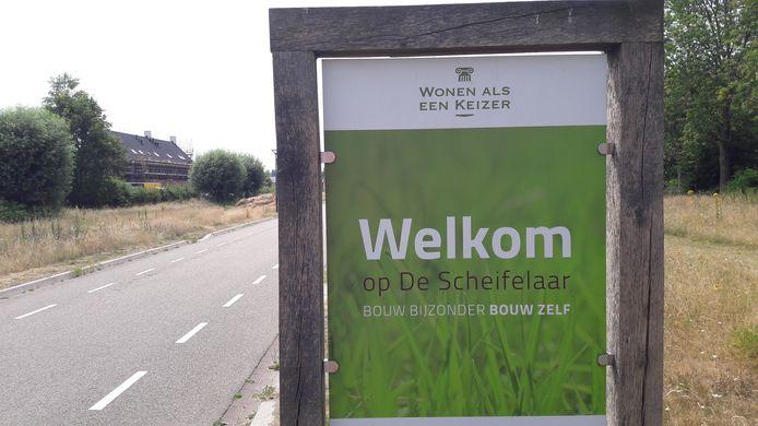'Wonen als een keizer', zo luidt de reclamekreet voor villawijk De Scheifelaar in Veghel. Een meerderheid van de raad in Meierijstad wil hier geen tijdelijke, goedkope huurwoningen.