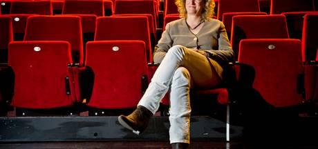 Monique in het Veld vertrekt bij  Oldenzaalse stadstheater De Bond