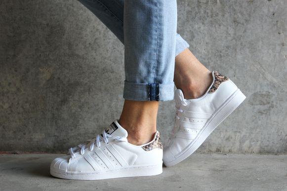 Verliefd op je sneakers? Dan wil je ze natuurlijk zo lang mogelijk mooi houden. Wij delen enkele tips.