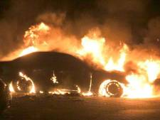 Auto gaat in vlammen op in Meppel