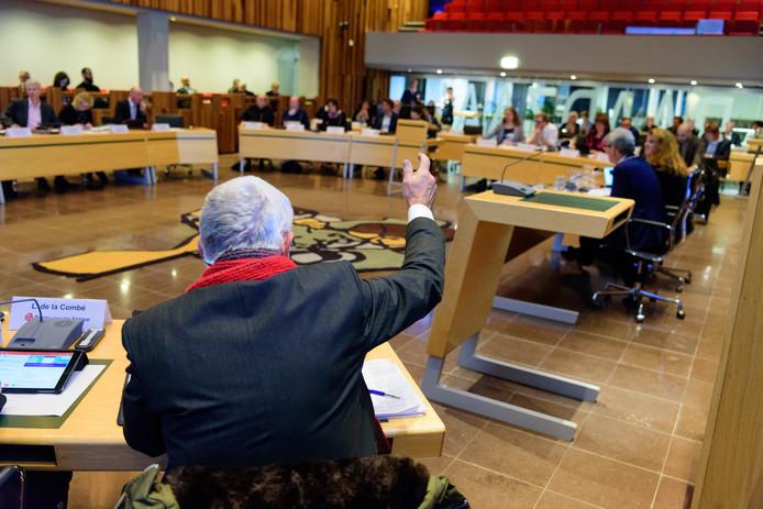 BPA-fractievoorzitter Hans van Wegen in de raadszaal op het stadhuis.