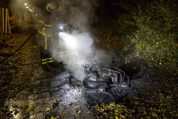 Scooter uitgebrand in Roosendaal.