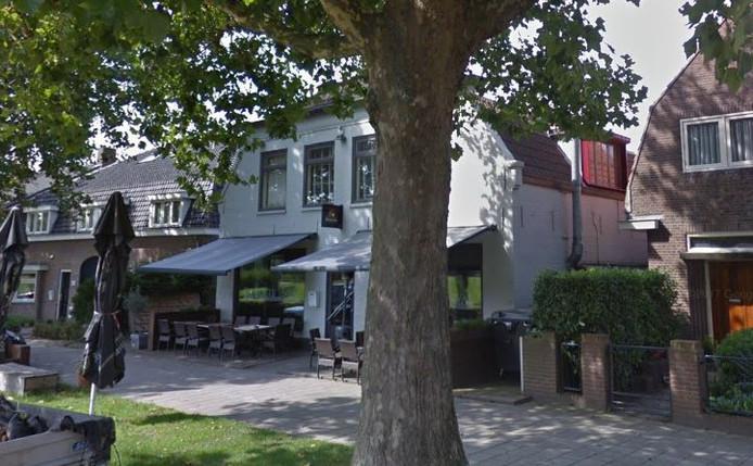 Het café aan de Klokkenlaan in Waalwijk gaat verder als Café de Burgemeester.