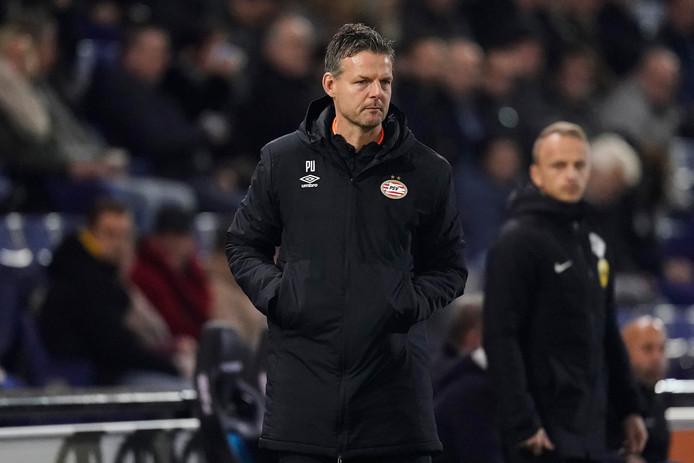 Peter Uneken, de trainer van Jong PSV.
