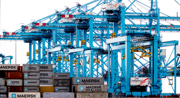 Een computergestuurde containerterminal van het havenbedrijf lag in 2017 stil.
