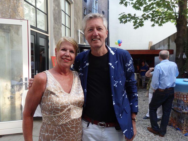 Petra Holtkamp, vrouw van banketbakker Cees, stond dit jaar een nier af aan een vreemde. 'Vier dagen ziekenhuis, valt heel erg mee.' Met Paul Hofman (Gaykrant) Beeld Schuim