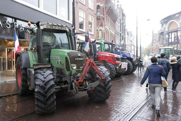 Tractoren in de Haagse binnenstad.