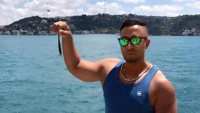 Een foto van Ceylan Calli in het zonnige Istanboel. Volgens de familie van het slachtoffer zou hij daar nu ook verblijven.