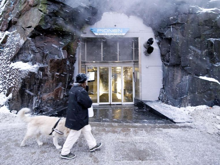 Pionen White Mountain, een atoomschuilkelder uit de Koude Oorlog, is nu een zwaarbeveiligd datacentrum in Stockholm.