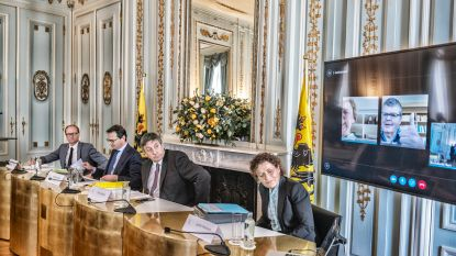 """KIJK LIVE. Vlaamse regering geeft persconferentie over nieuwe steunmaatregelen in coronacrisis: """"Dit is geen storm, maar een orkaan, en de aangerichte ravage zal enorm zijn"""""""
