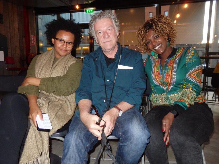 Student Esther, fotograaf Jean van Lingen en zangeres Yemi Schneider: 'Mooi! Leerzaam'. Beeld Hans van der Beek