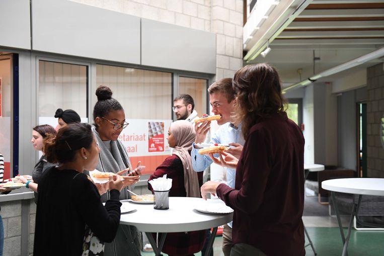 Brusselse wafels voor de studenten van Erasmushogeschool in Heverlee.