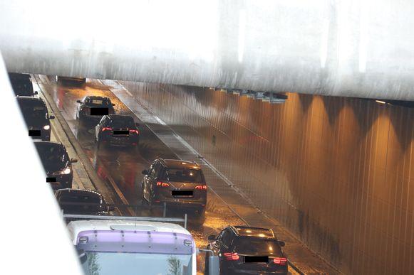 De tunnel in Aalst liep onder water door de hevige regenval