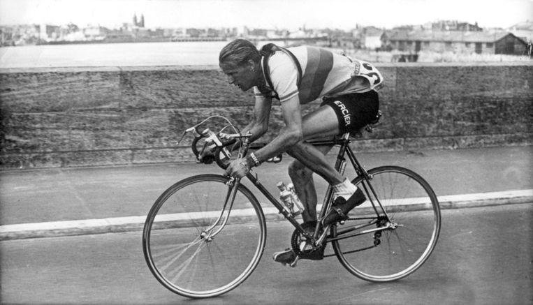 Jan Nolten in de Tour de France 13-7-1953 Beeld anp
