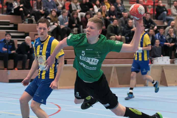 Niels Versteijnen in actie in het shirt van Tachos