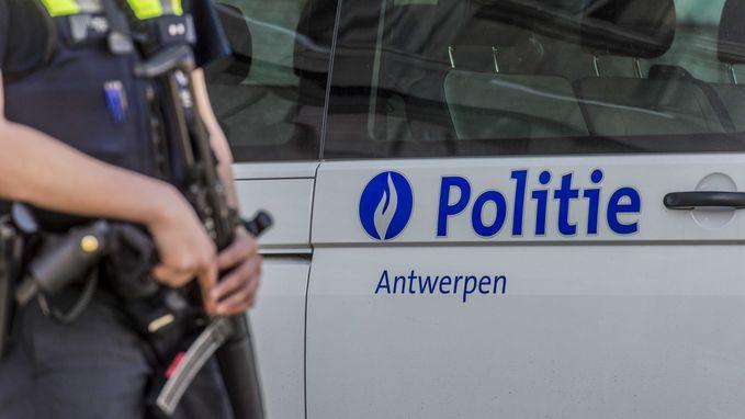 Politie voorkomt massale vechtpartij tussen twee groepen in Borgerhout