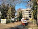 De sloop van het voormalige gebouw van Van Spaendonck is gaande. Op deze locatie komt nieuwbouw voor huisvesting van 750 internationale studenten.