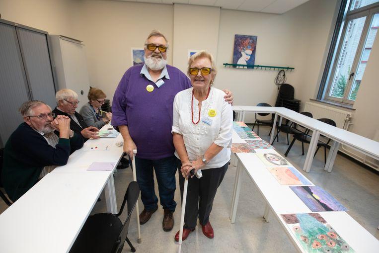 PXL-studenten ergotherapie maken blind kunstwerken voor goede doel slechtziende schilders Irene en Frank