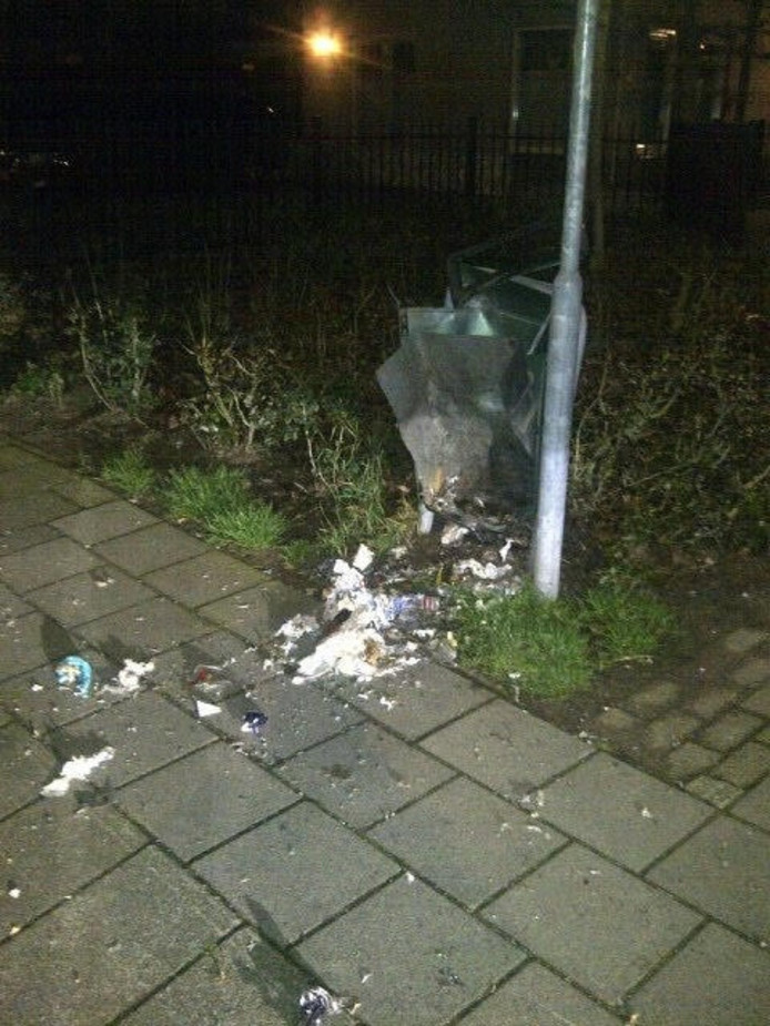 Vernielingen op de Stationsstraat in Maarheeze.