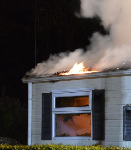 Chalet volledig uitgebrand in Biddinghuizen