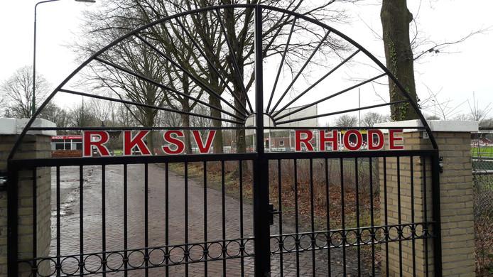 Voetbalclub Rhode in Sint-Oedenrode kan een grondige verbouwing van het sportpark tegemoet zien.