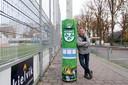 Neplenbroek bij zijn creatie op sportpark 'De Kampen, van VV Heino.