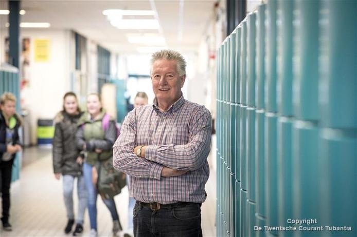 Conciërge Johan Lambers van de christelijke scholengemeenschap Het Noordik in Vroomshoop.