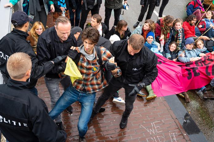In oktober werden bij een demonstratie van Extinction Rebellion bijna vierhonderd mensen opgepakt, met Pasen willen de milieu-activisten in Den Haag een soortgelijke actie houden