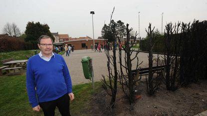 Illegaal barbecuefeestje eindigt met brandende haag