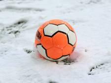 Update bekervoetbal: alle duels voor dinsdag afgelast