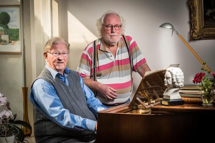 """Dick Buld (links) en Paul van Gerwen zijn verknocht aan Bach. """"Zijn muziek gaat tot diep in je ziel."""""""