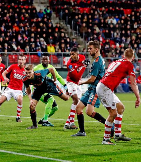 AZ deelt in Alkmaar late dreun uit aan gehavend Ajax