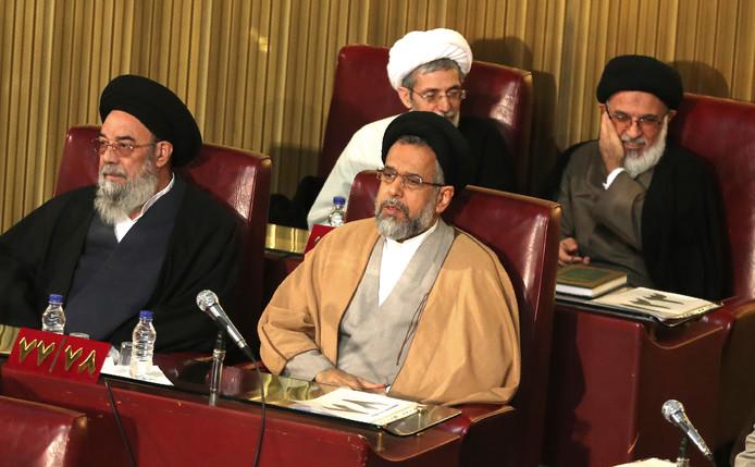 Foto uit maart 2019, met daarop de Iraanse minister Mahmoud Alavi (vooraan rechts).