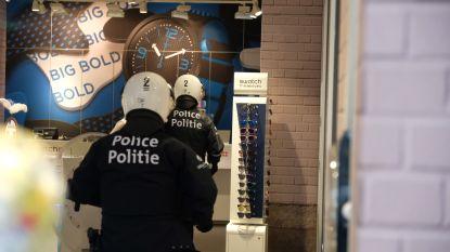 Politie moet pepperspray inzetten tegen gele hesjes aan Noordstation, ook arrestaties in stadscentrum