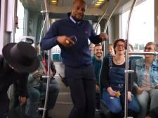 Rappende RET-conducteur Giovanni lanceert vrijdag zijn clip: bekijk hier de eerste beelden