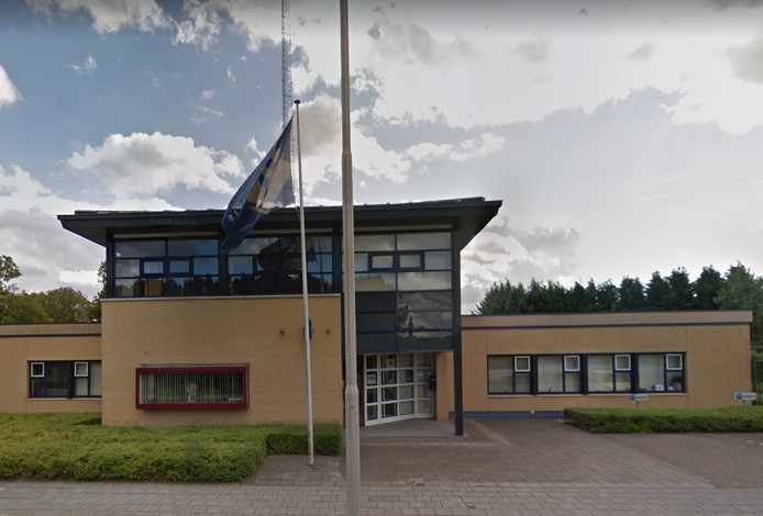 Het politiebureau aan de Van der Maelstedeweg in Hulst.