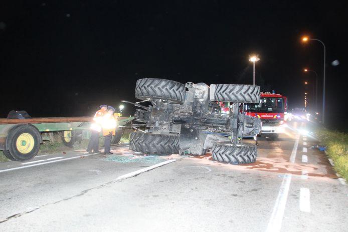 De tractor versperde de volledige weg.